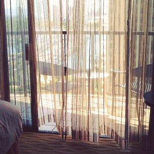 WARP #window #lanai #wind #room #hotel #hilton #curtain #happiness #afternoon #rest #hawaii #honolulu #oahu #waikiki #vacation #summer #instamovie #warp #moment #view #tc2nyc #travelc